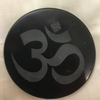 Om Charging plate
